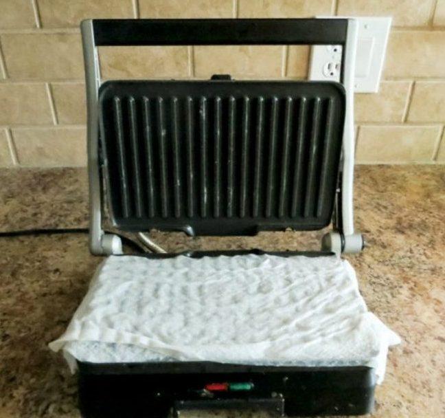 чистка электрогриля с несъемными панелями