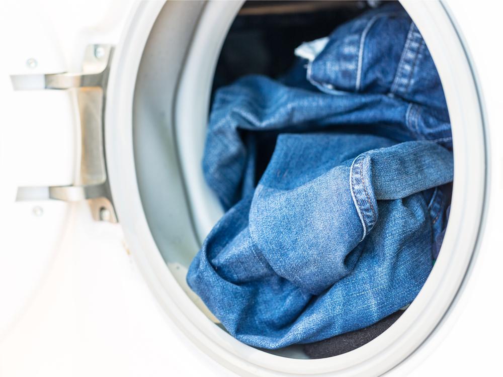 как стирать джинс