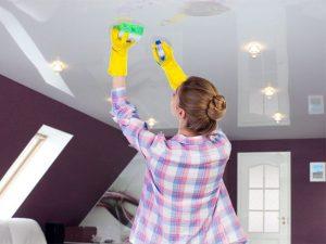 Мытьё натяжного потолка своими руками