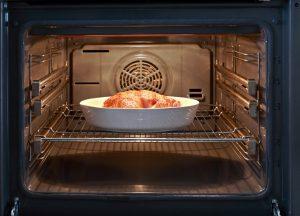 Подготовительный этап чистки духовки