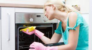 Как нельзя чистить духовку от жира