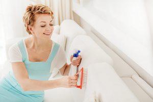 Как удалить запах с дивана при помощи соды