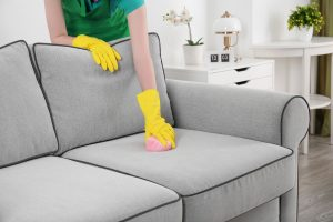 Чистка дивана из флока средствами