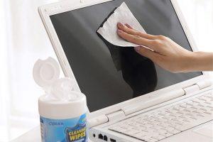 Влажные салфетки для чистки экрана ноутбука