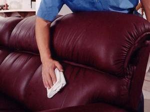 Как удалить фломастер с кожаного дивана