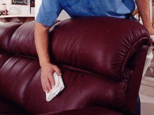 Чем отмыть зелёнку с дивана из кожзама