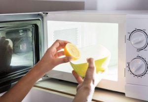 Удалить запах лимоном
