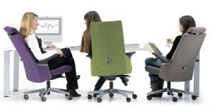 Как почистить компьютерное кресло с тканевой обивкой