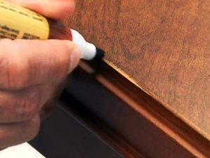 Специальный карандаш для деревянного стола