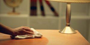 Как отмыть зелёнку с деревянного стола