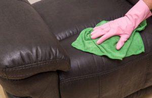 Как очистить лизуна с обивки дивана