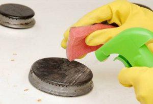 Чистка газовой плиты средствами бытовой химии