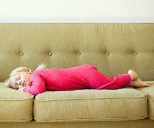 Полезные советы по чистке дивана от пыли