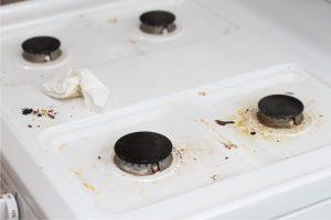 Чем удалить жир с газовой плиты