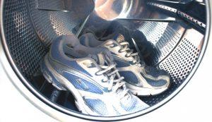 Как часто стирать кроссовки