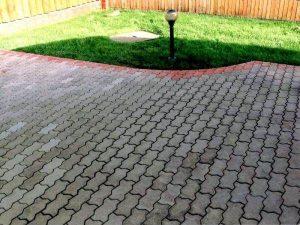 Чем отмыть тротуарную плитку от жирных пятен