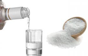 Спиртом и ацетоном, спиртом и солью