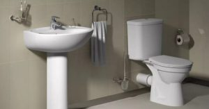 Что делать, если унитаз забился туалетной бумагой