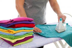 Как правильно гладить футболку