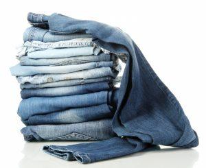 Как выгладить джинсы, если нет утюга