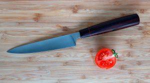 Нож на столе: о чём говорит примета