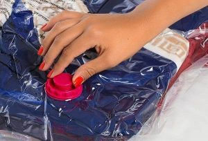 Как хранить вещи в вакуумных пакетах