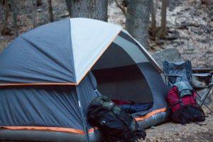 Как сложить туристическую палатку