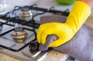 Почему нельзя просто чистить плиту?